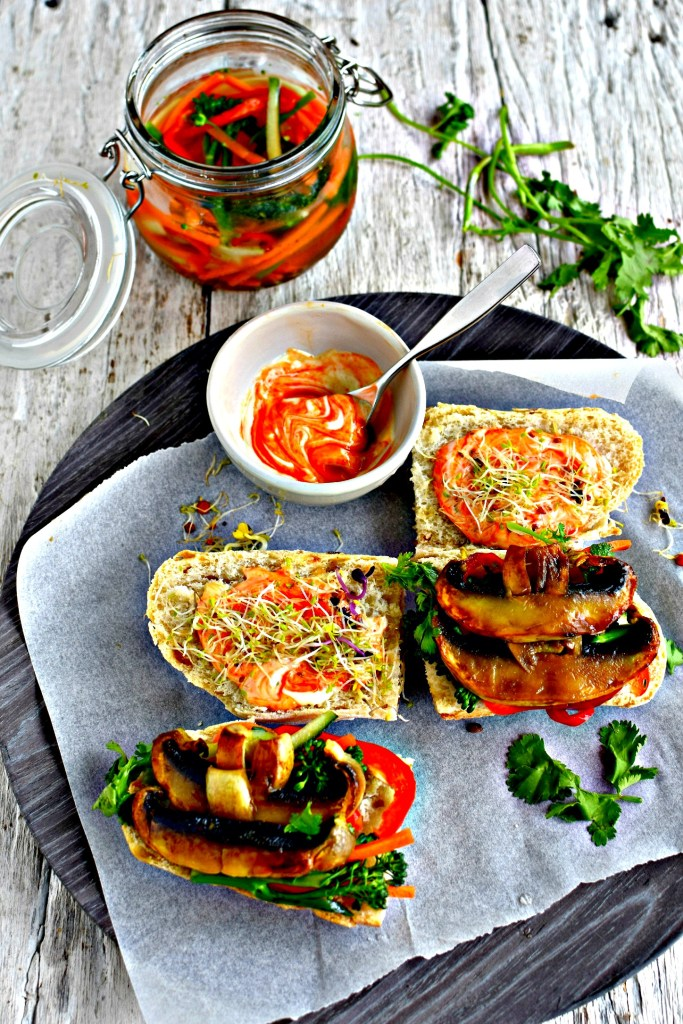 marinated mushroom banh mi // food to glow #sandwich #vitetnamesefood #mushrooms #vegetarian