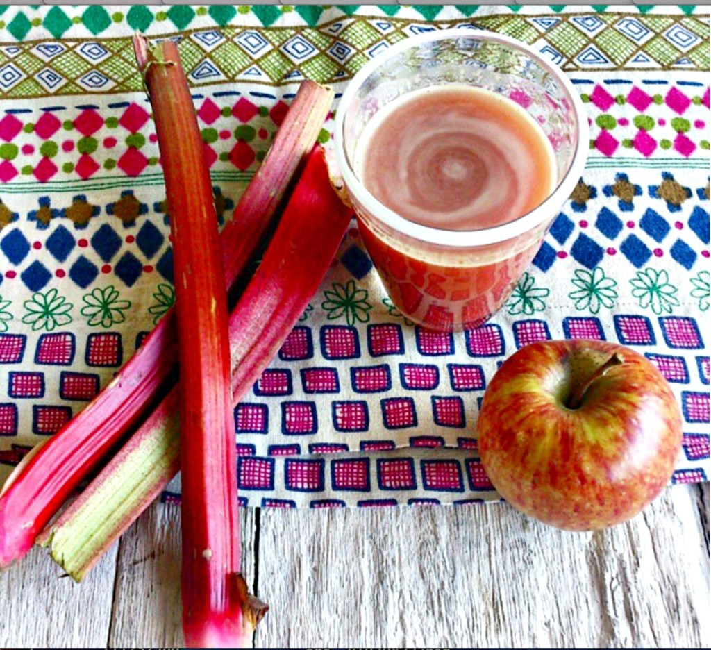 rhubarb and apple juice //
