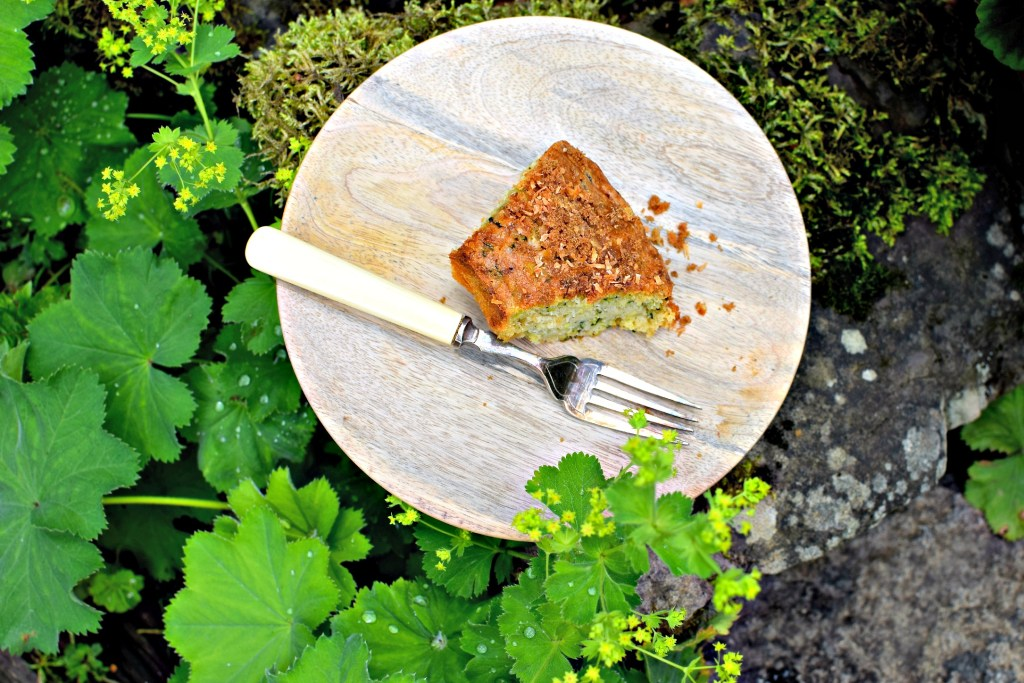 courgette, coconut and lime leaf coffee cake // food to glow