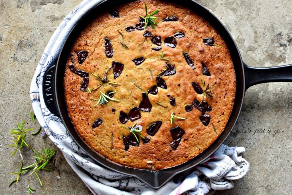 Chocolate and rosemary are really wonderful partners and very healthy too. Why not add them to your next banana bread making session. And pour it alli into a skillet while you are at it. A great breakfast or healthy snack for the whole family. Naturally gluten-free too.