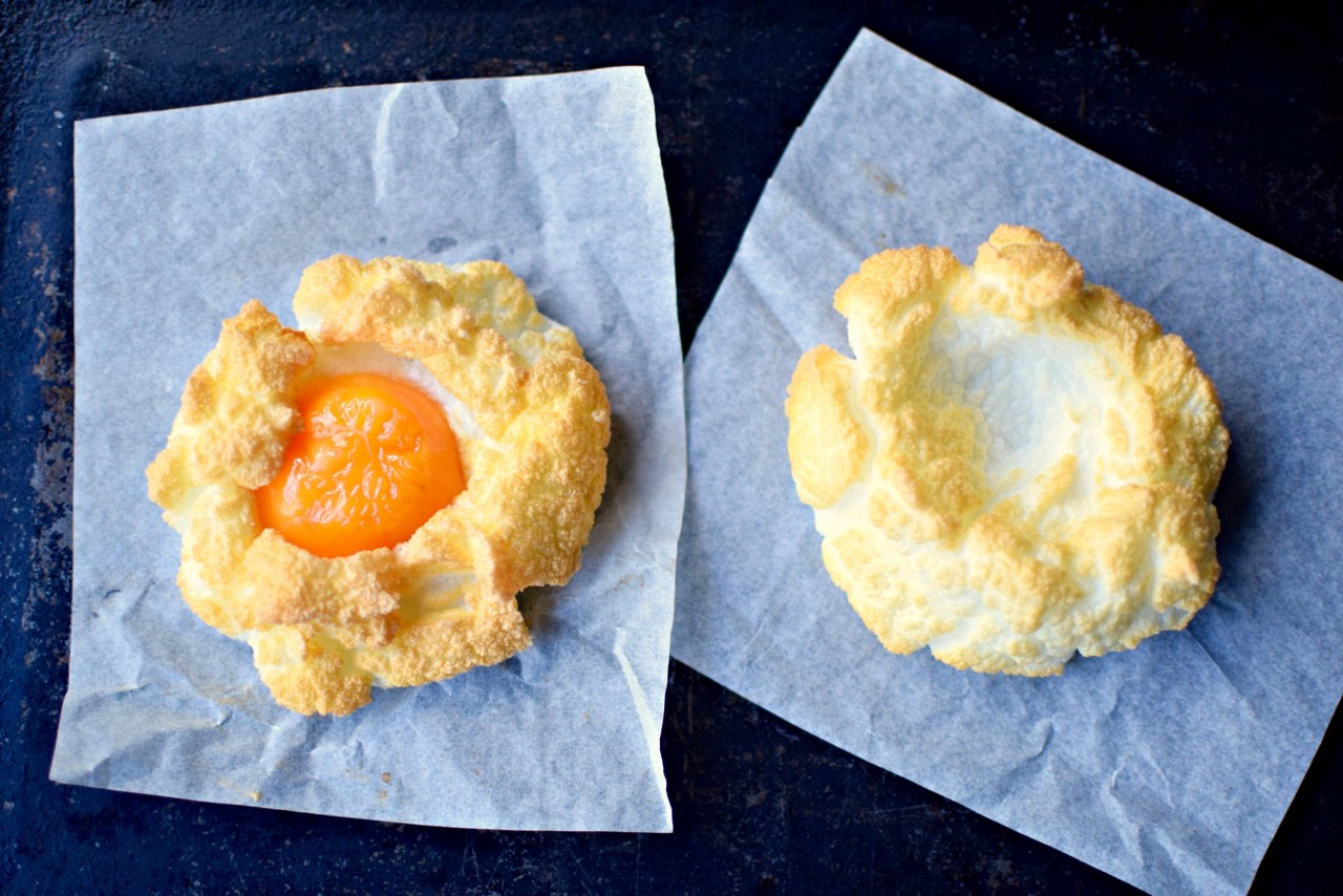 Breakfast doesn't get more fun than cloud eggs. Whip your egg whites until fluffy, bake a little, reintroduce the yolk, bake a little more and, et voilà - cloud eggs. This Instagram favourite is one of the easiest and healthiest food trends of 2017. Just two ingredients and whatever you wish to fold in or tuck underneath (dal!). A perfect little ray of sunshine for breakfast, brunch, lunch or dinner. Get cracking!