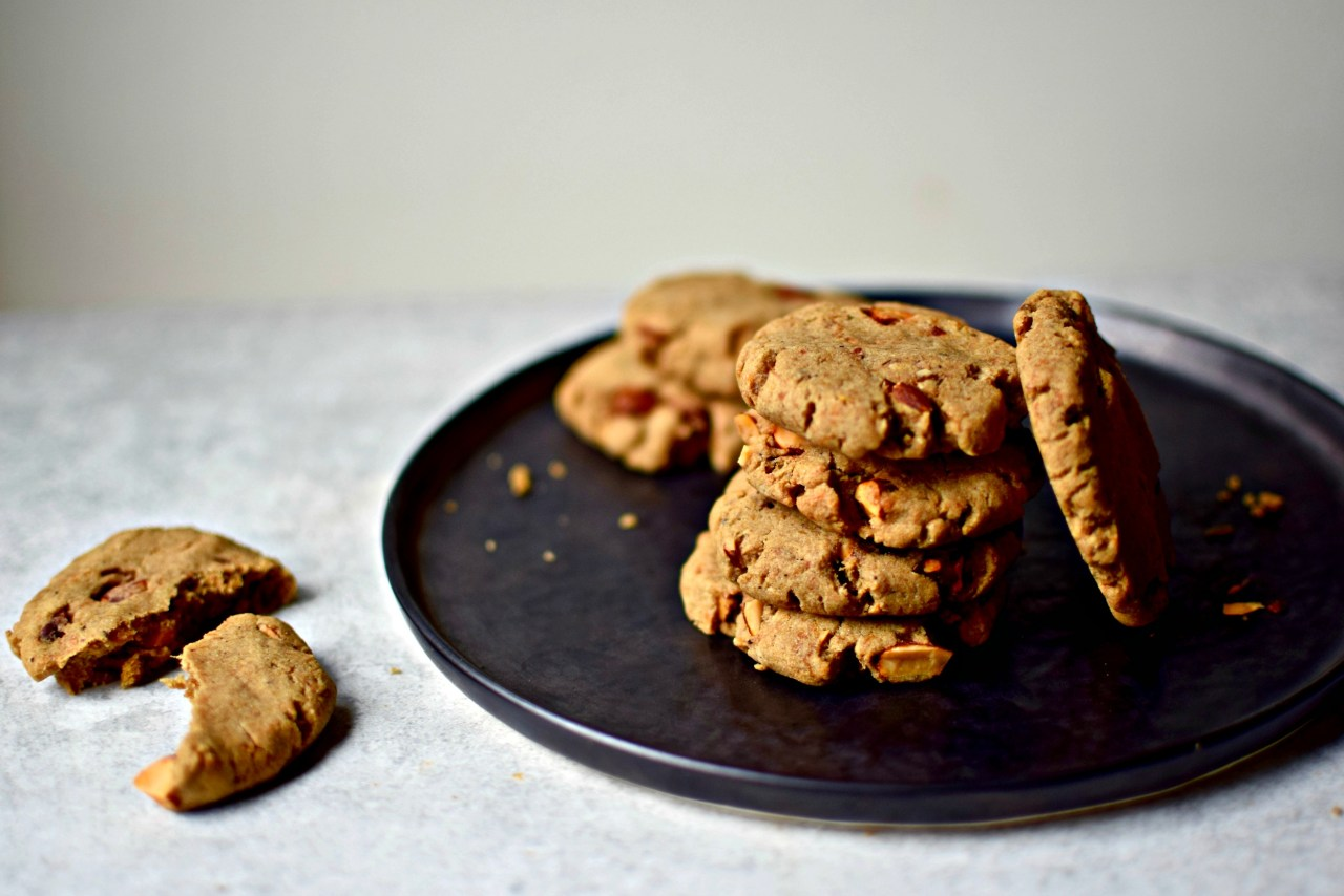 sweet potato and salted hazelnut cookies from veggie desserts + cakes by kate hackworthy