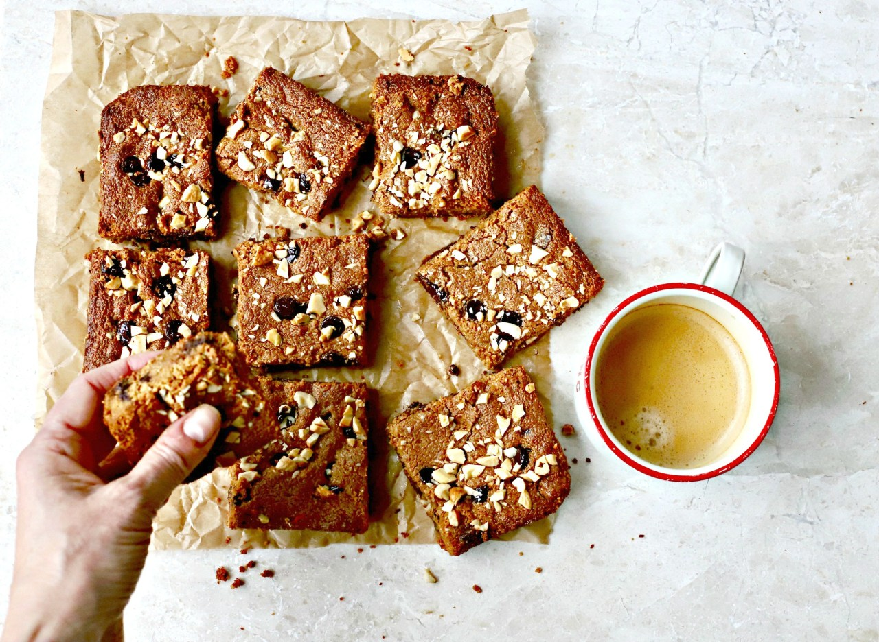 This Chocolate Chip Cashew Butter Blondies recipe is what you need when a craving for something sweet strikes and you want something baked - and quickly. #baking #blondies#glutenfree #chocolate #easyrecipe