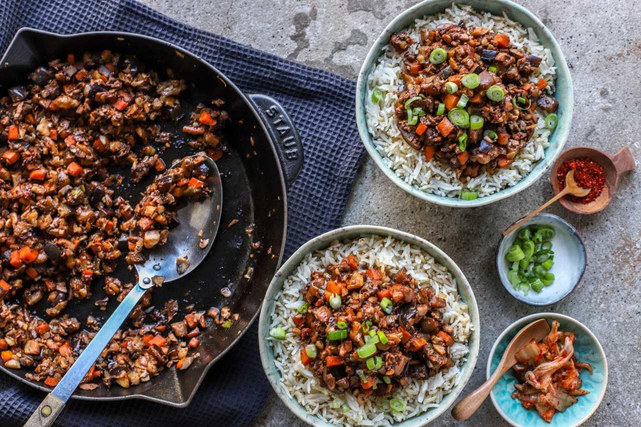 Korean Bulgogi loaded with vegetables and completely vegan. #Koreanfood #vegan #recipe #vegetables #bulgogi #koreanbbq