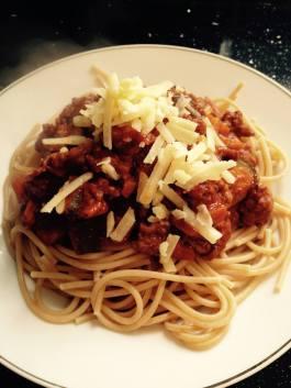 Pasta Bolognese. See recipe here: https://kellsslimmingworldadventure.wordpress.com/2015/05/21/recipe-pasta-bolognese/