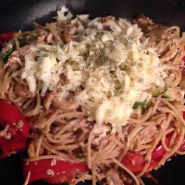Pasta with tuna and balsamic roasted vegetables. Recipe: https://kellsslimmingworldadventure.wordpress.com/2016/01/08/recipe-pasta-with-tuna-and-balsamic-roasted-vegetables/