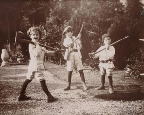 Feral Children (1/4)