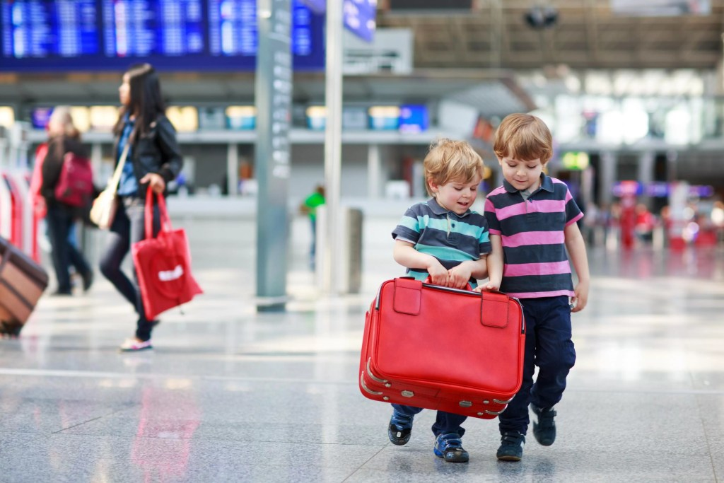 12 Tips for Surviving the Airport with Small Kids