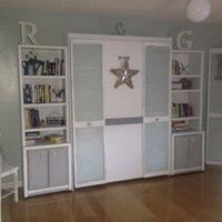 closed murphy bed