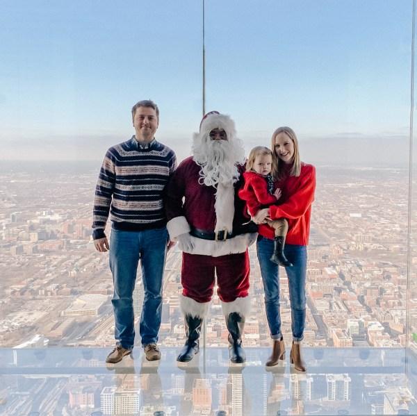Meeting Santa Willis Tower Skydeck - Kelly In City