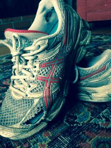 worn running shoe http://kellylmckenzie.com/lessons-learned-shoe-shopping/