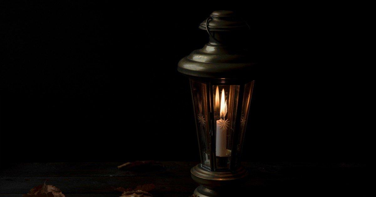 dimmed light
