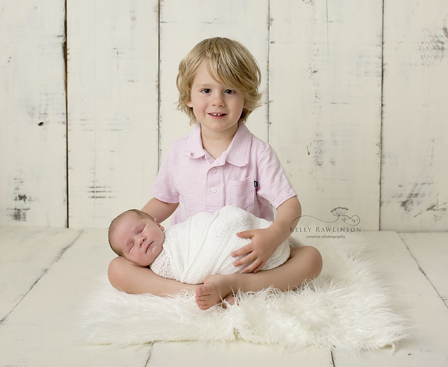 newborn and brother picture Newmarket Ontario