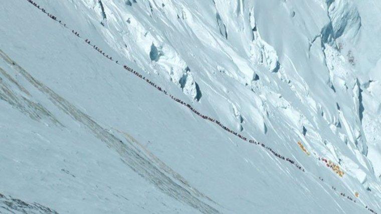 lhotse face conga line 2012