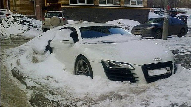 audi-r8-abandoned-in-russian-winter-medium_5