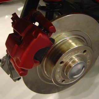 DIY – HOW TO CHANGE YOUR VEHICLES BRAKES