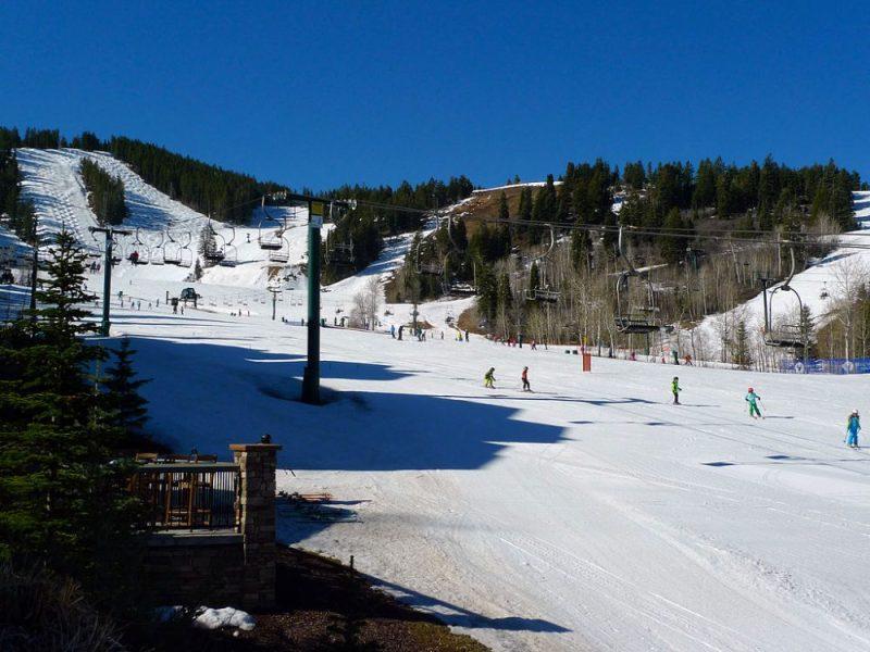 Skiing_at_Deer_Valley_Utah_photo_Ramey_Logan
