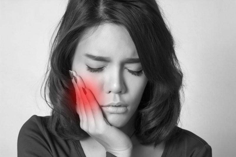5 REASONS WHY YOUR TEETH MIGHT HURT