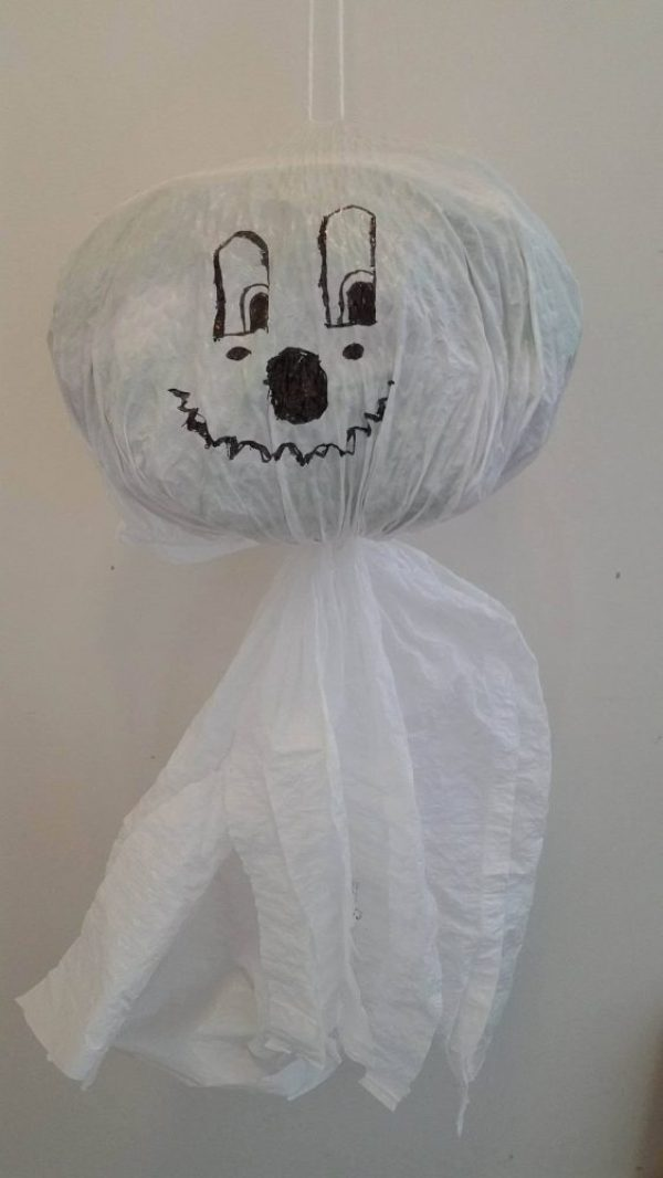 Easy DIY Halloween Garbage Bag Ghost