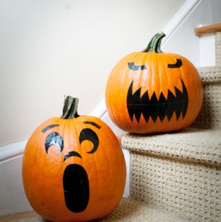 DIY Project: Pumpkin Stickers (Faux Jack O'Lantern) #DuckTape