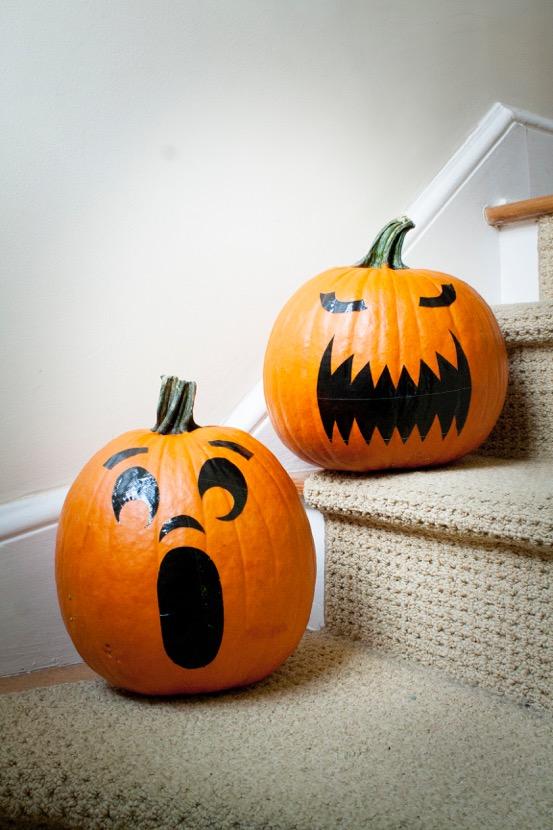 DIY Project: Pumpkin Stickers (Faux Jack O'Lantern) #DuckTape