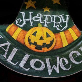 Ways to Decorate Your Door for Halloween