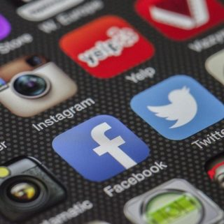 4 Ways You Can Take Advantage of Social Media to Grow Your Mobile App