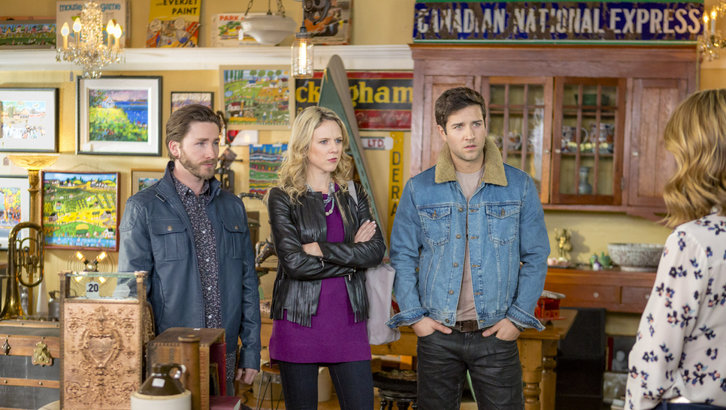 """Tune-in to Hallmark Movies & Mysteries """"Garage Sale Mystery: Murder By Text"""" this Sunday, August 13th at 9pm/8c! #SLEUTHERS"""