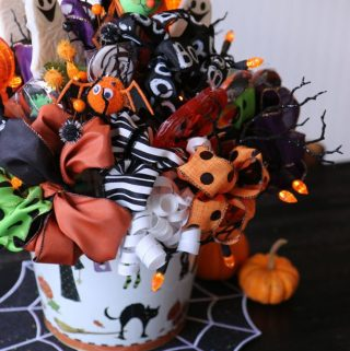 Create the Coolest Halloween Centerpiece with Bow K