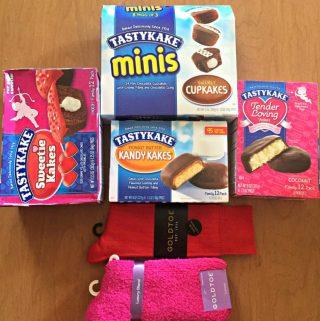 Tasty Kake Cupcakes and Gold Toe Socks for Valentine's Day