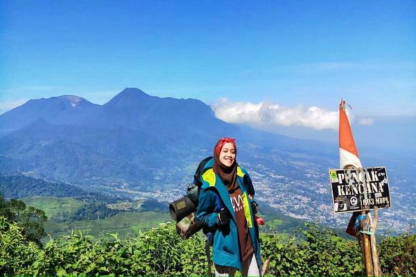 Gunung_Kencana_Bogor.jpg