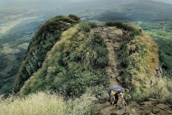 Gunung_Batu_Jonggil.jpg