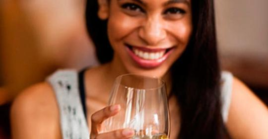 The Best and The Worst Alcoholic Drinks For Your Teeth