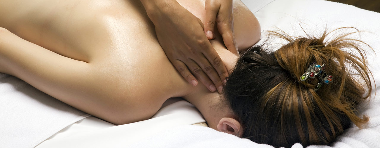 BodyKNEADS Health Centre: Massage Therapy