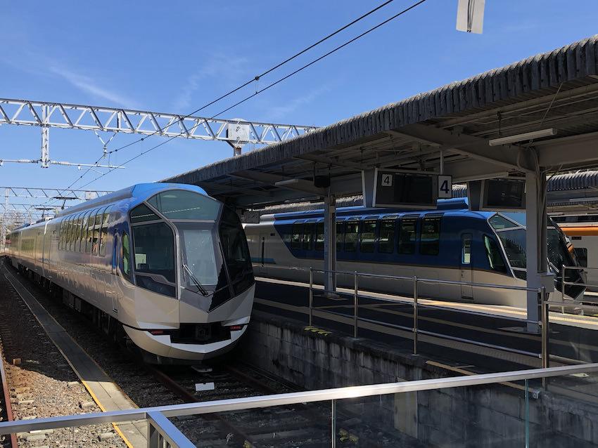 大阪難波・京都・近鉄名古屋ー賢島を結ぶ観光特急「しまかぜ」