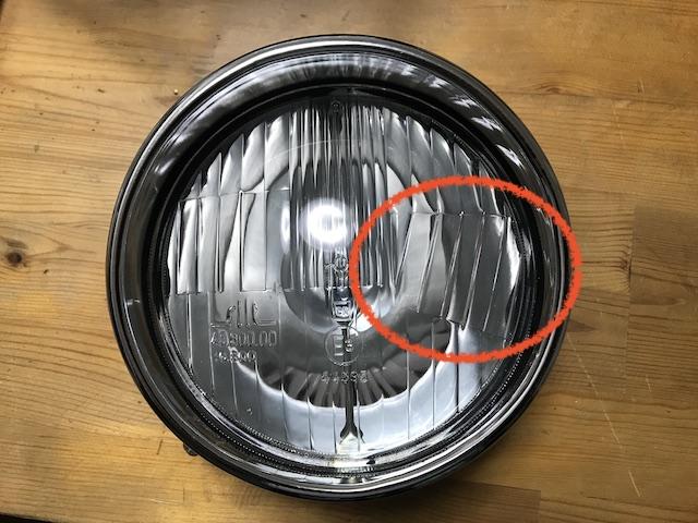 チンクの右車線用のヘッドライト