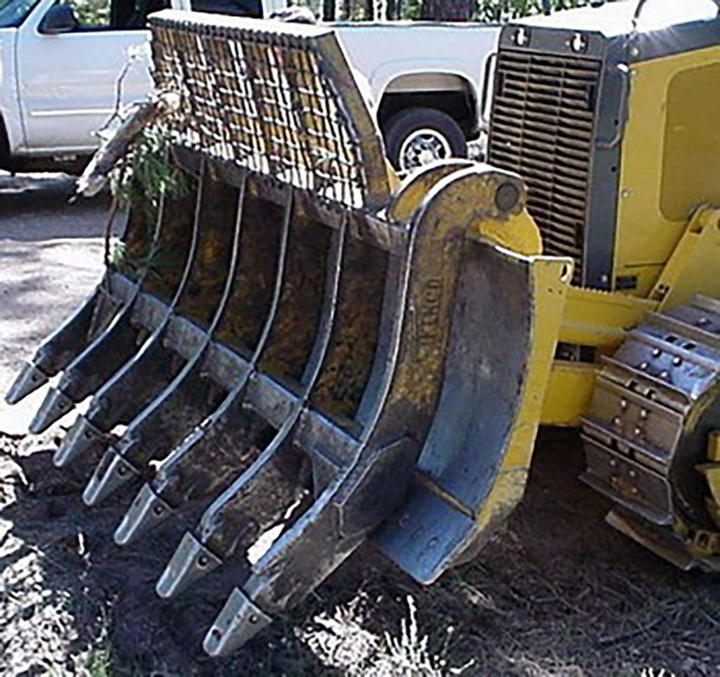 hight resolution of extreme service moldboard rake