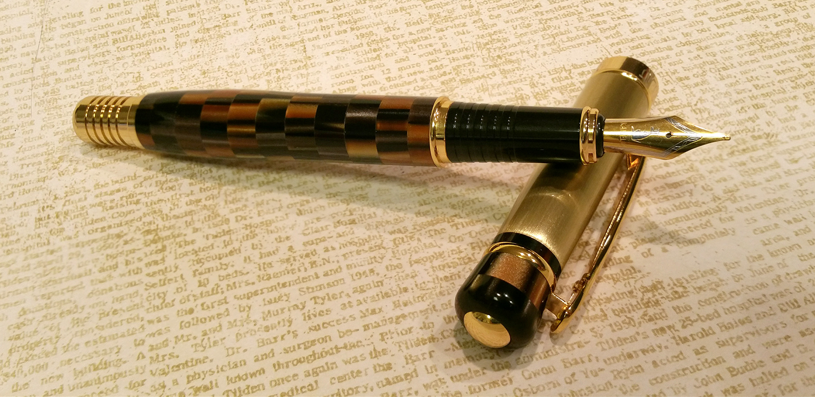 Kaigelu 336 Fountain Pen with the cap removed
