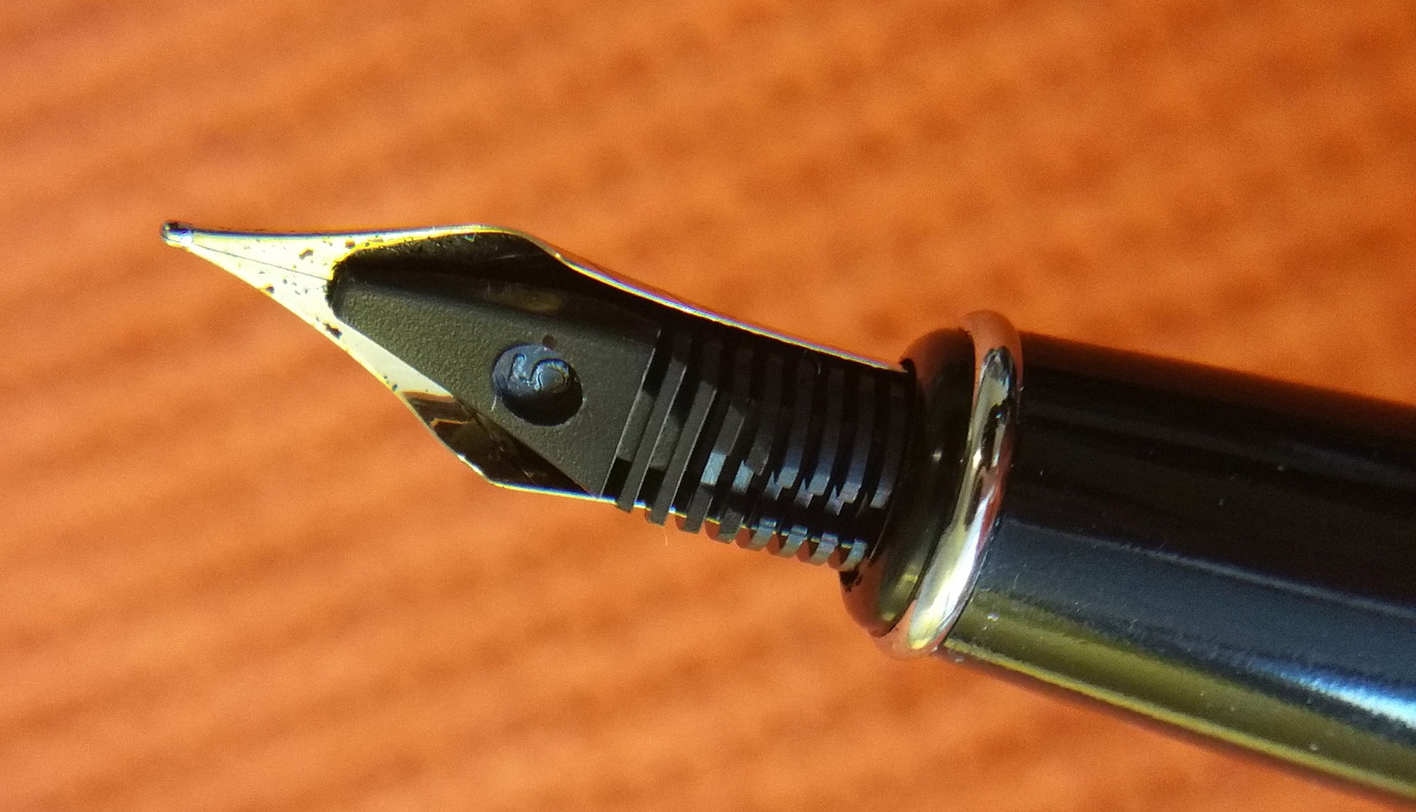 Close-up of the underside of the Wing Sung 3203 Nib, showing the feed