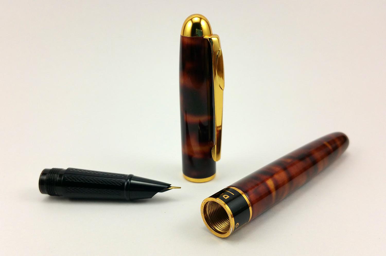 Dikawen 839 Fountain Pen Disassembled
