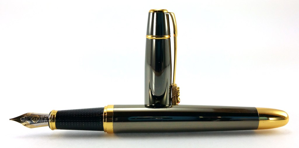 Yiren 860 Fountain Pen, uncapped