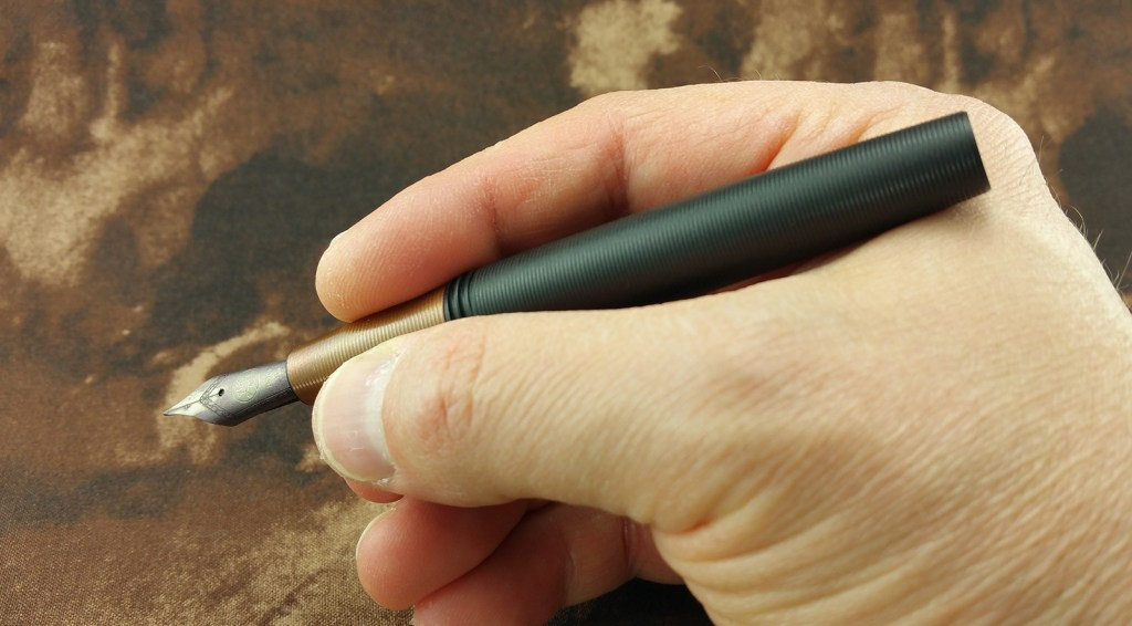 Holding the Tactile Turn Gist Fountain Pen