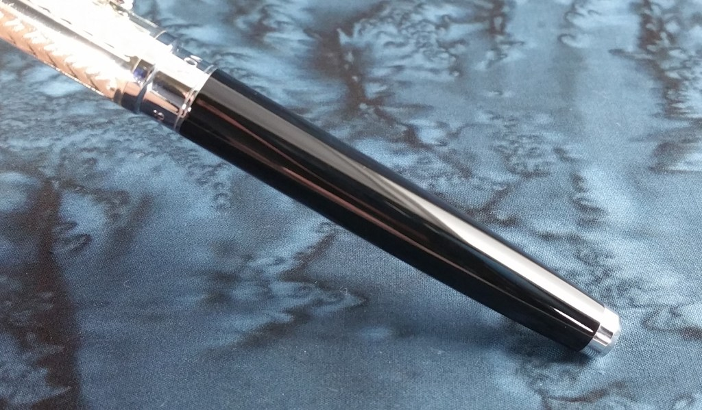 Picture of the Yongsheng 088 Fountain Pen barrel, showing it's glossy, smooth surface