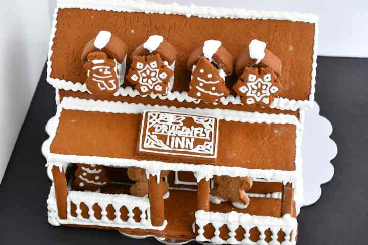 2018 Dragonfly Inn Gingerbread House Copywrite 2019 KendellKreations