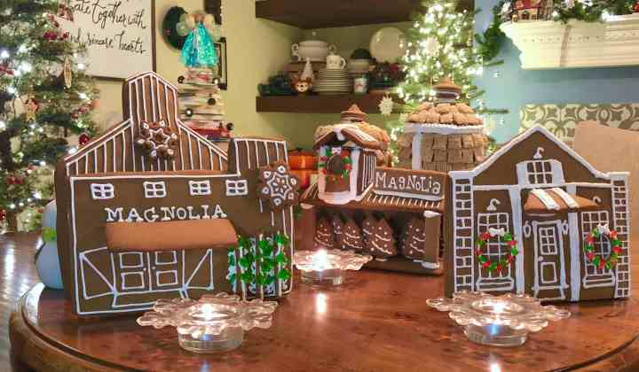 2017 Magnolia Market Gingerbread Village Copywrite 2019 KendellKreations