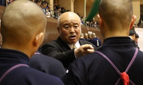 昭和54年に赴任した飯田良平監督は平成30年で40年目のシーズンを迎えると同時に、退職の年齢を迎える。