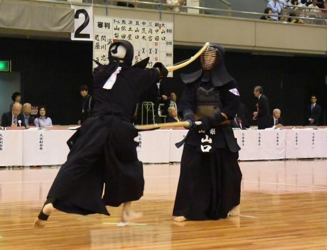 和歌山 3(4)─1(1)東京
