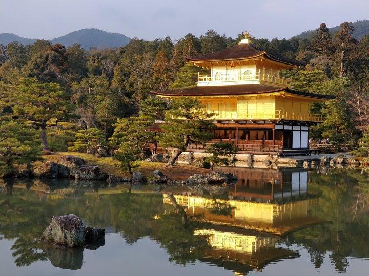 Kinkaku-ji eli kultainen temppeli
