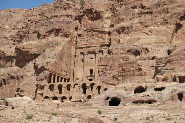 petra-royal-tombs
