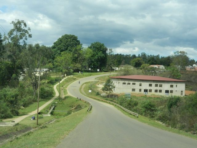 driving-in-swaziland-roads